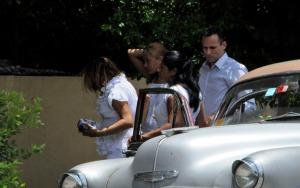 Jose Daniel Ferrer y familia entra a cuartel de la SINA