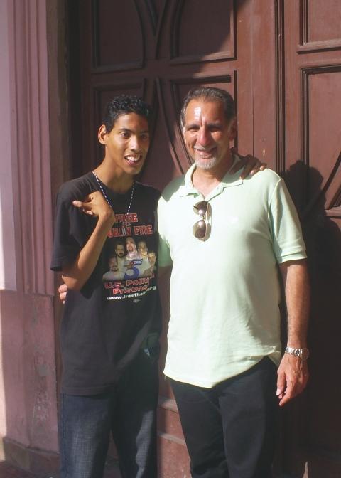 "Dos ""fantasmas"" en plena Habana, Cuba"