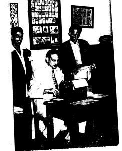 Mario Morales (primero de pie, de derecha a izquierda) durante su estancia en Policía Secreta después de 1959